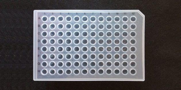 900122- 96-ямкова PCR плака с полупола